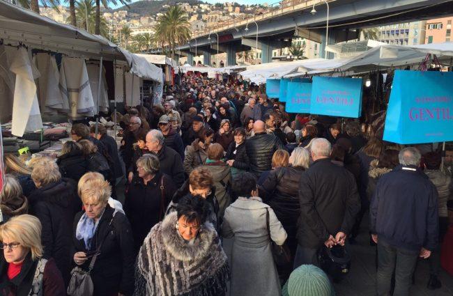 &#8220&#x3B;Gli Ambulanti di Forte dei Marmi®&#8221&#x3B; a Borgomanero