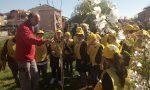 Frutteto sociale in via Cefalonia: bambini all'opera
