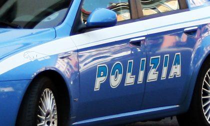 Polizia Novara intercetta auto fuori da alcune case: a bordo piedi di porco e cesoie