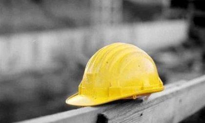 Incidente sul lavoro a Maggiora: operaio caduto dal tetto fuori pericolo