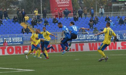 Un Novara calcio dai due volti batte la Carrarese