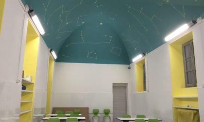 Novara, il viceministro inaugura l'aula con le stelle
