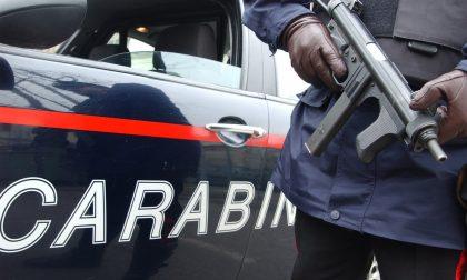 Prende a calci e pugni la compagna e le ruba la carta di credito: arrestato dai carabinieri di Novara
