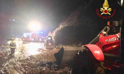 Frana travolge due auto fra Borgomanero e Gargallo FOTO