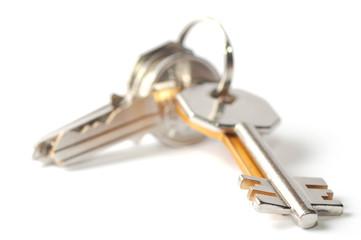 Mazzo di chiavi senza padrone consegnato in municipio ad Arona