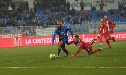 Novara Calcio in campo domenica a Lecco