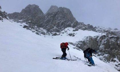 Bloccati sul ghiacciaio: soccorsi tre alpinisti
