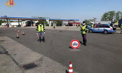 Emergenza Coronavirus: la polizia ha chiuso l'autostrada A4 a Novara nord