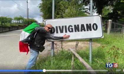 Divignano il sindaco Bacchetta riporta i 600 euro a Conte: servizio del Tg5 VIDEO