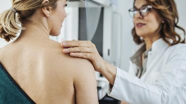 Prevenzione tumori: riprendono le visite dopo lo stop per il virus