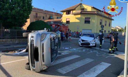 Incidente a Novara, auto si ribalta: tre feriti