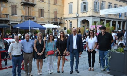 A Gozzano inaugurato il nuovo arredo urbano di piazza Matteotti