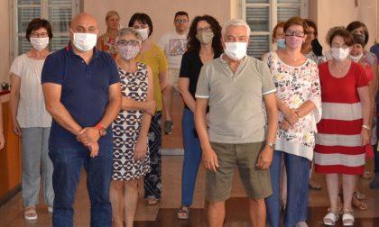 A Borgomanero la festa in Comune per la pensione di Carmelo Giunta
