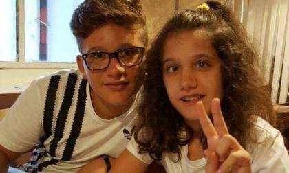 Fiaccolata per Carlo e Veronica, i due fratelli morti nell'incidente di moto