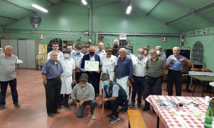 """Gli Alpini di Borgomanero premiati per il """"giornaliero e costante impegno"""""""