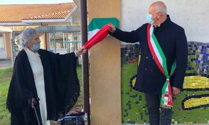 La scuola materna di Gozzano è stata intitolata allo scultore Peppino Sacchi