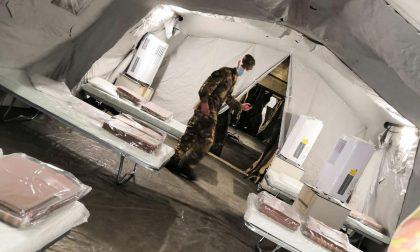 Coronavirus scende in campo l'esercito: tensostrutture all'esterno dell'ospedale di Borgomanero