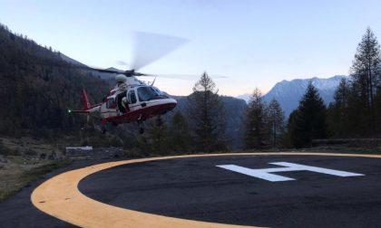 Pompieri salvano 8 escursionisti con l'elicottero in Valle Antrona – VIDEO