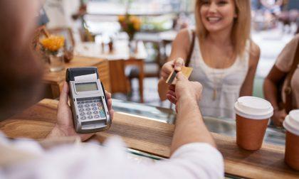 Extra Cashback Natale 2020: se paghi con bancomat e carte restituito il 10%