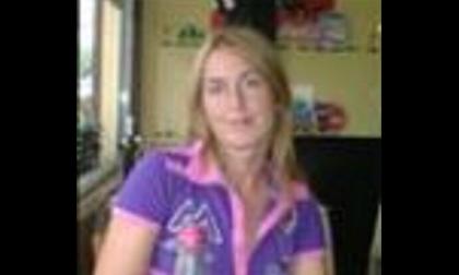 Insegnante 42enne trovata morta nella propria auto