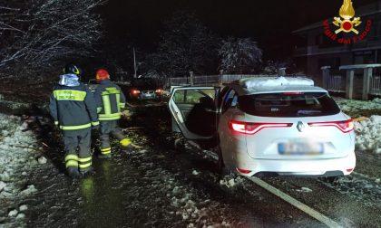 Emergenza neve: oltre 50 gli interventi dei vigili del fuoco di Arona