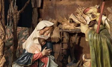 Presepe in sicurezza: Maria, Giuseppe e i pastori hanno la mascherina