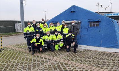 Medici volontari allo stadio di Varallo per i tamponi rapidi