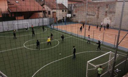 Multa da 400 euro al parroco perché i bambini stavano giocando a calcio
