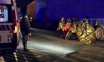 Ragazzini stranieri (afghani) nascosti su un Tir, li trova la Polizia