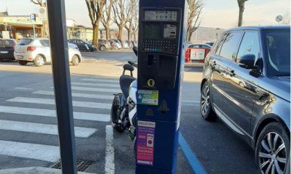 Parcheggi ad Arona: le tariffe degli spazi blu sono da record