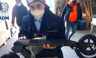 Dogana Torino: scovati 370 monopattini elettrici cinesi non idonei