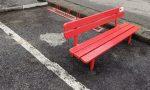 Trecate installata la panchina rossa in via Novara