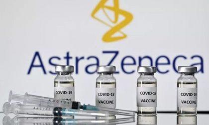 Vaccino AstraZeneca: i sintomi da riferire al medico