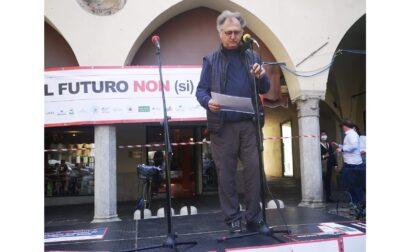 """La piazza di Novara: """"Vogliamo lavorare! Non possiamo aspettare altri due mesi"""""""