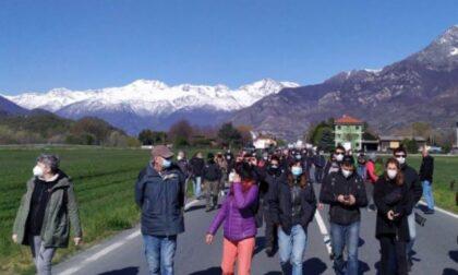 """Ancora proteste e scontri violenti in Val di Susa: i sindaci del territorio """"alleati"""" con anarchici e No Tav"""