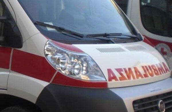Cameriano 12enne cade in bici poi torna a casa ma si sente male: portato al Maggiore