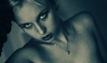 Lo fa dovunque: Chiara trasforma Chivasso in un set porno, è polemica