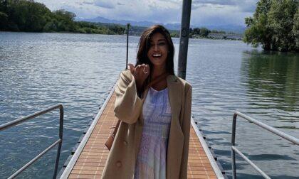 Belen Rodriguez a passeggio per Sesto Calende