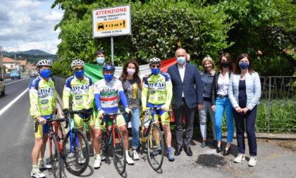 A Gozzano posizionato sulla statale il cartello salva ciclisti
