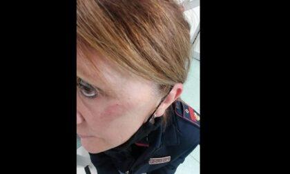 Controlli anti-assembramenti: poliziotta presa a calci e pugni