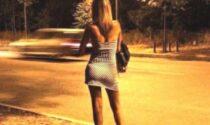 Regolamento comunale vieta di vestirsi e atteggiarsi come prostitute