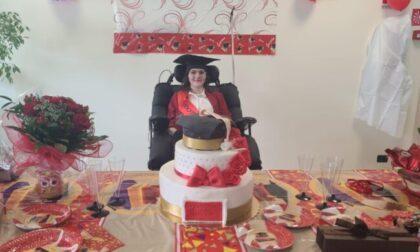 Addio ad Alessia: la 25enne affetta da una grave malattia si era appena laureata in ospedale