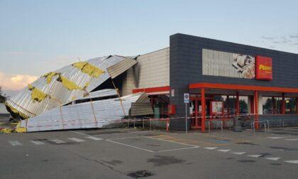 Bomba d'acqua: a Novara crolla il tetto di un supermercato