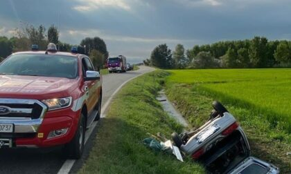 Provinciale tra Vespolate e Robbio: auto si ribalta, morto il conducente