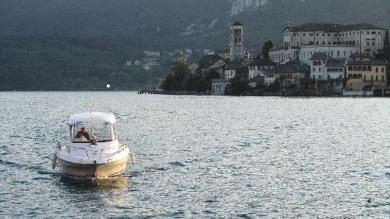 Passerella sul lago d'Orta: l'idea dell'Unione turistica che non piace al sindaco