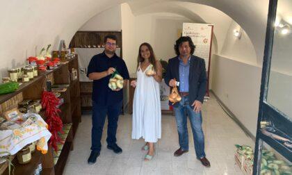 """Le cipolle """"attraversano"""" l'Italia"""