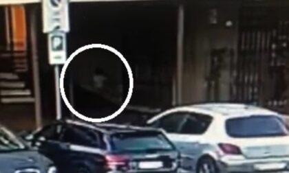 Gioca a nascondino col padre e scompare nel nulla: bimbo di 2 anni ritrovato dopo due ore dai Carabinieri