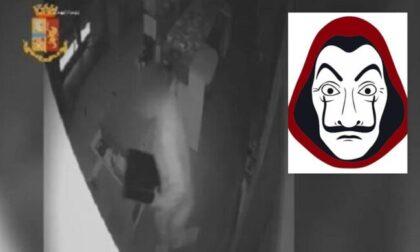 """Ladro fan della """"Casa di carta"""" tradito dalla felpa con Dalì"""