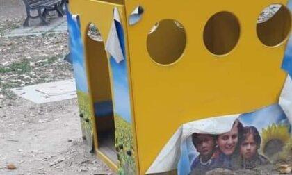 Vandali al Parco dei Bambini di Novara sui giochi forniti da Casa Alessia