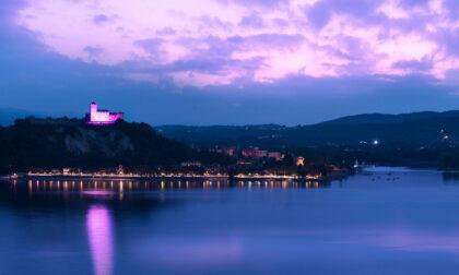 Palazzo Borromeo sull'Isola Bella e Rocca di Angera si tingono di rosa per la campagna di Fondazione AIRC